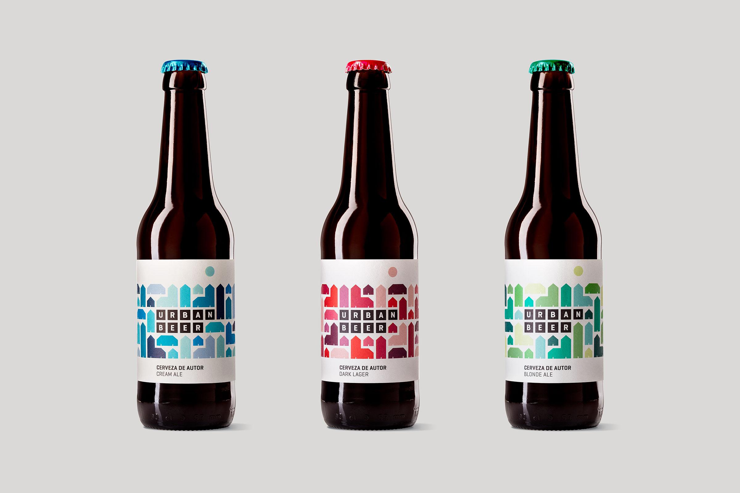 Tres versiones del packaging para la cerveza de autor Urbanbeer