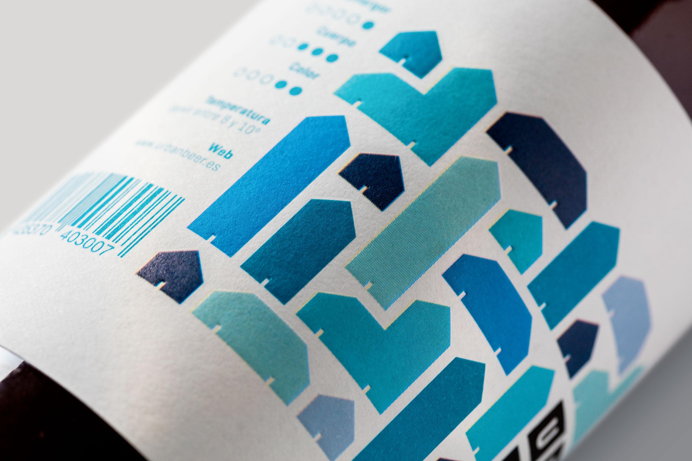Primer plano de la etiqueta azul